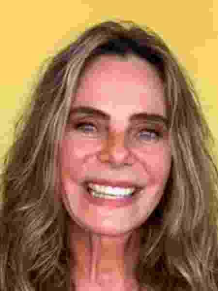 """Bruna Lombardi em conversa à distância no """"E aí, Beleza?"""" - Reprodução - Reprodução"""