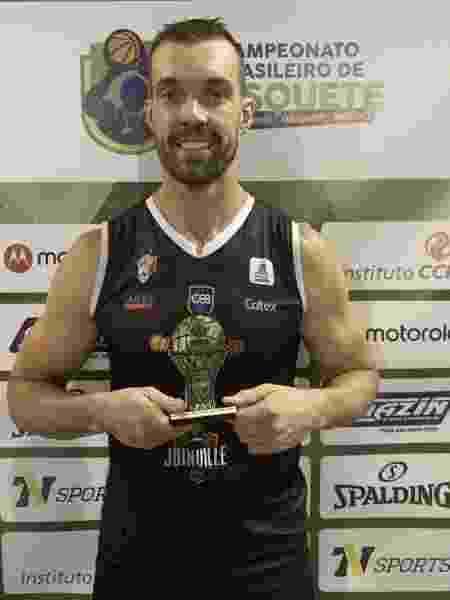 O jogador de basquete Murilo Becker -  CBB - Confederação Brasileira de Basketball -  CBB - Confederação Brasileira de Basketball