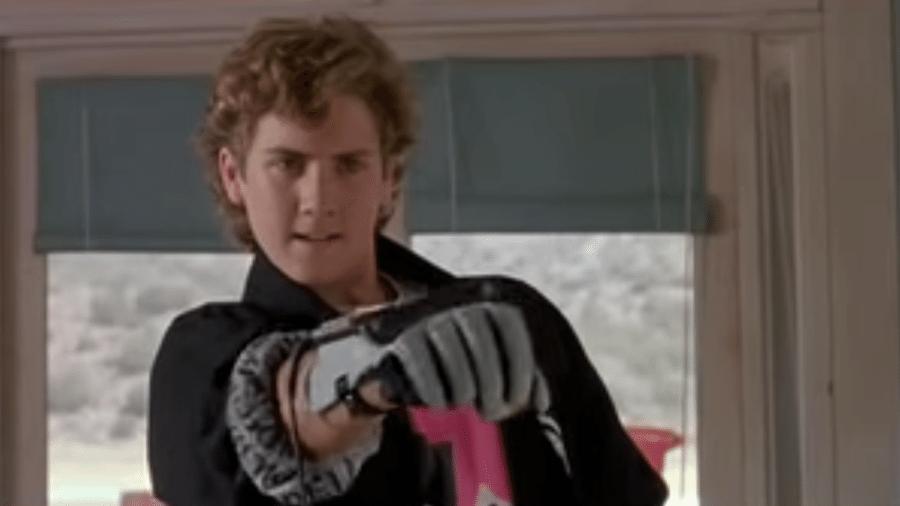 Você consegue pensar em alguma coisa mais cool do que a Power Glove? Porque eu consigo - Reprodução
