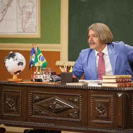 """Professor Raimundo (Bruno Mazzeo) em """"Escolinha do Professor Raimundo"""" - Pedro Curi/Divulgação/TV Globo"""