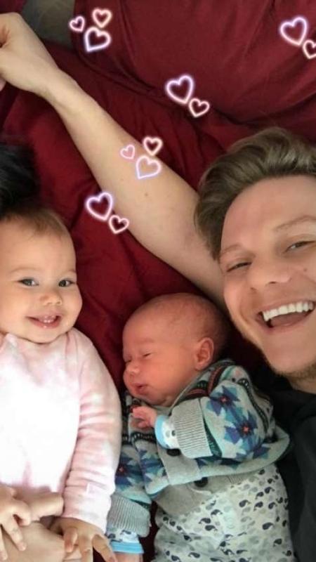 Thais Fersoza posta clique da família inteira na cama no Dia dos Pais - Reprodução/Instagram/@tatafersoza