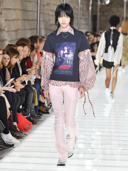 "Camiseta de ""Stranger Things"" da Louis Vuitton na Semana de Moda de Paris - Getty Images"