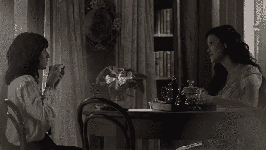 """Lucinda (Andreia Horta) e Maria Vitória (Vitória Strada) em """"Tempo de Amar"""" - Reprodução/GShow"""