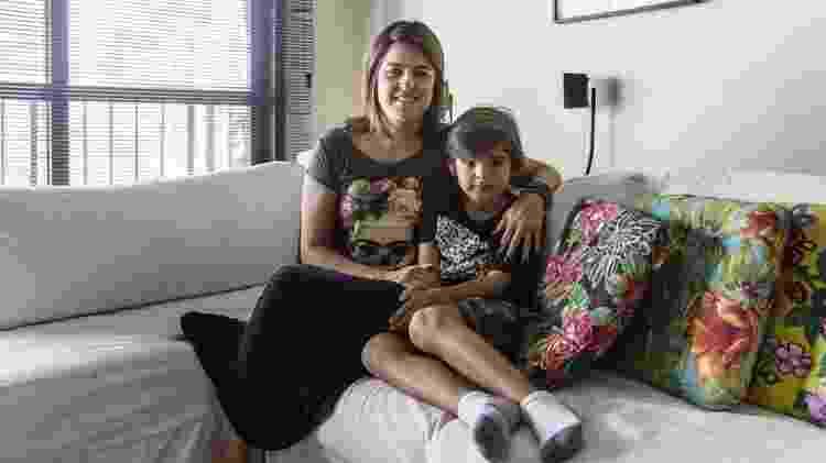 Helena teve de orientar escola sobre como agir após João Pedro ter uma crise alérgica - Gui Christ/BBC Brasil - Gui Christ/BBC Brasil