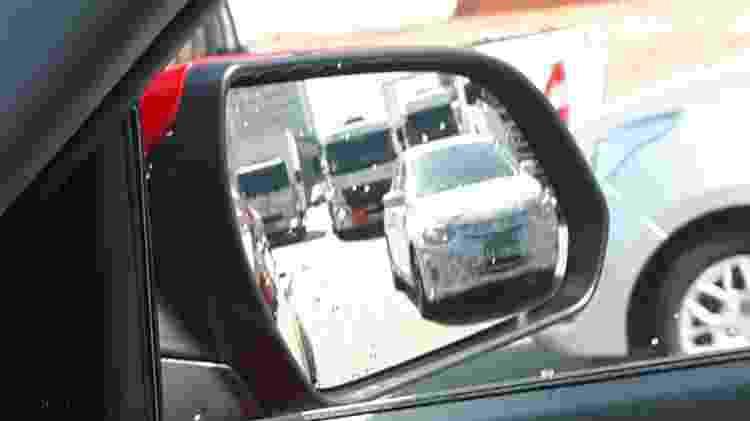 Chevrolet Prisma 2020 flagra frente - UOL - UOL