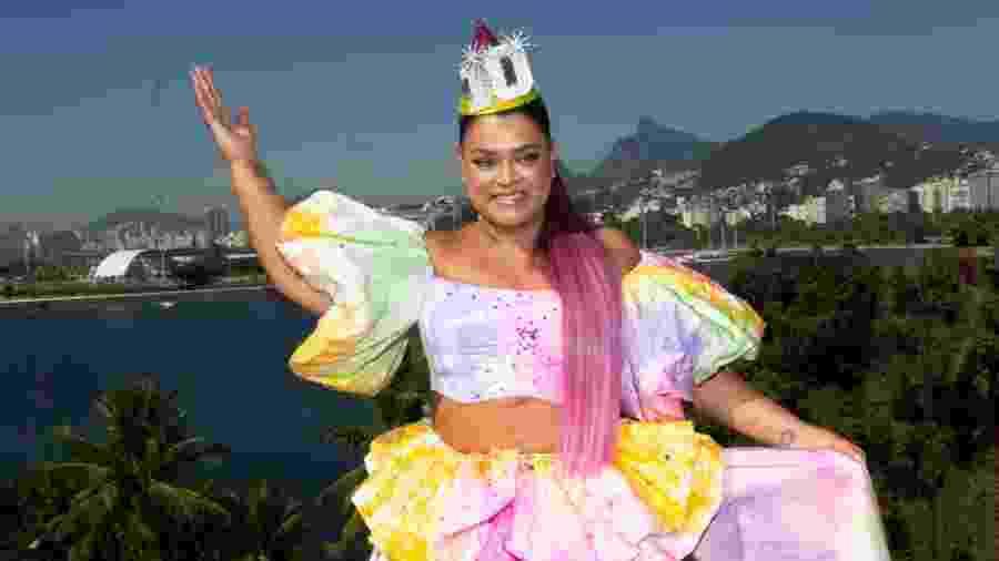Preta Gil foi vestida de bolo para comemorar os dez anos de seu bloco - Douglas Shineidr/UOL