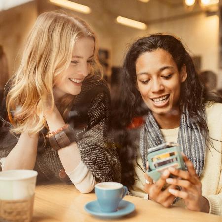 Brasileiros gastam em média 3h30 em redes sociais - ferrantraite/iStock
