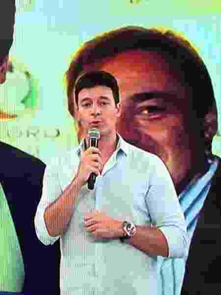 Rodrigo Faro faz homenagem a Gugu no A Hora do Faro - Reprodução/Record