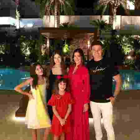 Rodrigo Faro ganhou homenagem da família - Reprodução/Instagram