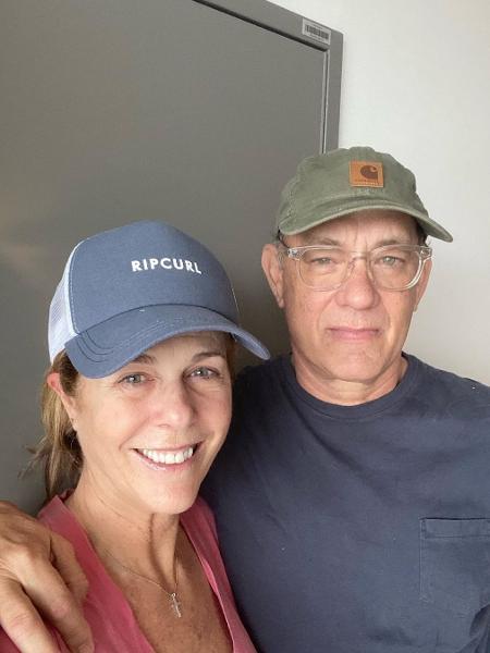 Tom Hanks e Rita Wilson um dia depois de anunciarem ter contraído coronavírus - Reprodução/Instagram