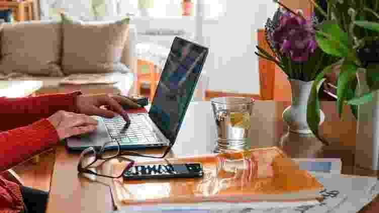 Mulher trabalha em home office - Jens Kalaene/picture alliance via Getty Images - Jens Kalaene/picture alliance via Getty Images