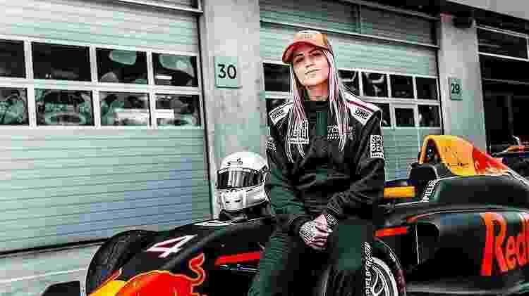 Letícia Bufoni curte carros e motos - Reprodução/Instagram - Reprodução/Instagram