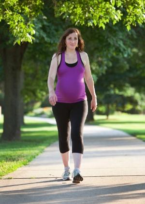 Exercitar-se na gravidez melhora saúde da criança no futuro - Getty Images