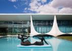 Colunas do Palácio da Alvorada se tornaram símbolos de Brasília - Leonardo Finotti/ UOL