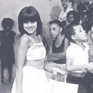 """Aos 12 anos, Mara apresentou o programa """"Clube do Mickey"""" nos anos 80. No programa, ela brincava com os telespectadores e exibia os desenhos da Disney - Reprodução/Blog Show Maravilha"""