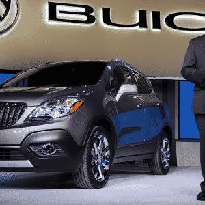 Buick Encore no Salão de Detroit de 2012 Ed Welburn - Larry W. Smith/EFE