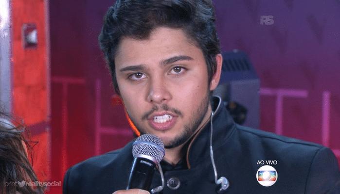 25.dez.2015 - Júnior Lord, Nikki, Ayrton Montarroyos e Renato Vianna se apresentaram da grande final do