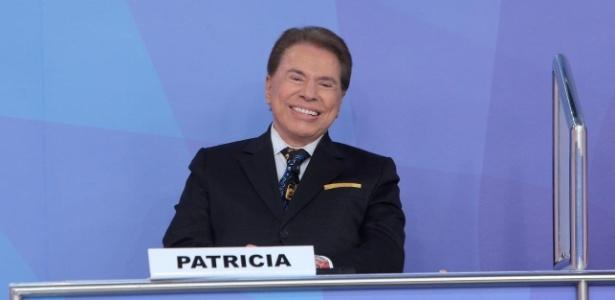 """15.mar.2016 - Silvio Santos ocupa o lugar da filha Patricia no """"Jogo dos Pontinhos"""" - Lourival Ribeiro/SBT"""