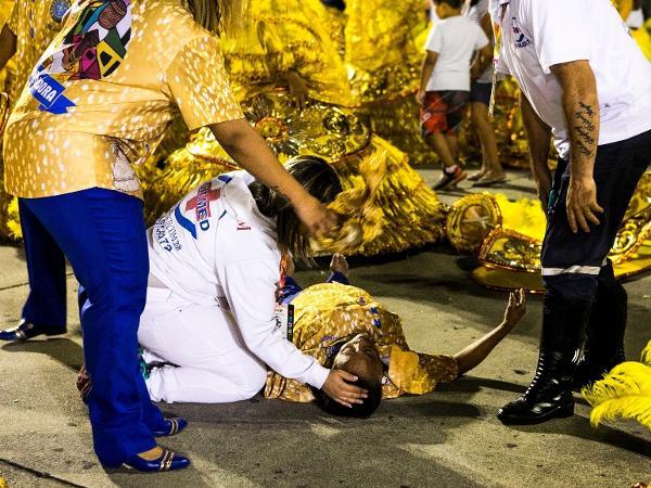 Diretor De Carnaval Deixa Tradicional Escola De Sp: UOL Carnaval 2017: Apuração Rio E SP, Desfiles De Escolas