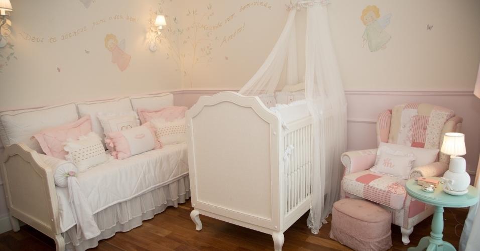O quarto de Melinda era mais romântico com detalhes rosa e branco, cores escolhidas pela mãe Thaís Fersoza. Já o quartinho de Teodoro tem tons mais fortes como o vermelho e o azul jeans, eleitas por Teló