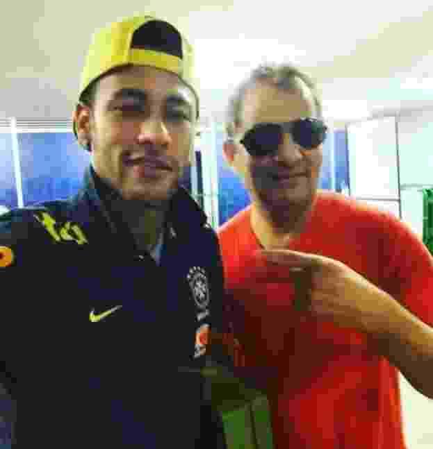 Zé Congonhas consegue foto com Neymar - Reprodução/Instagram/zecongonhasoficial