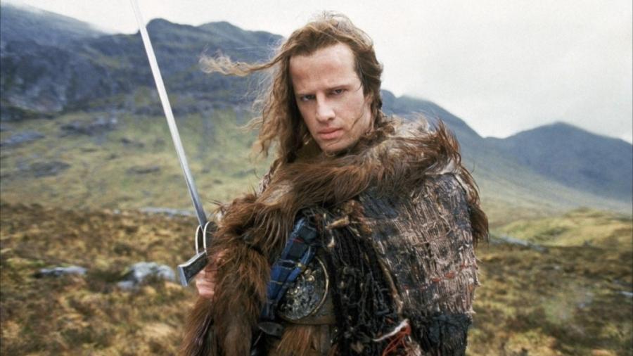 """Christopher Lambert em cena de """"Highlander: O Guerreiro Imortal"""" - Reprodução"""