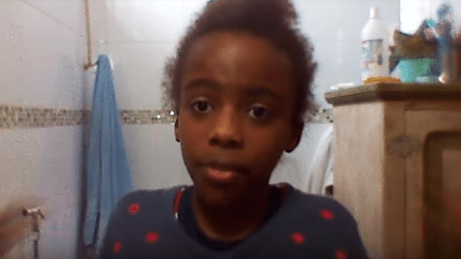 Ana Clara Barbosa, de 11 anos, foi alvo de racismo na plataforma - Reprodução/Youtube