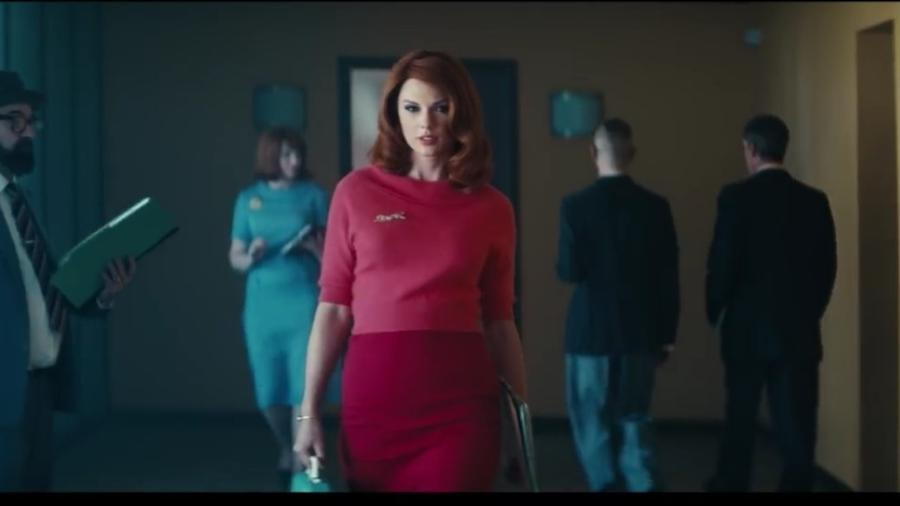 """Taylor Swift em clipe de """"Babe"""" - Reprodução/Youtube"""
