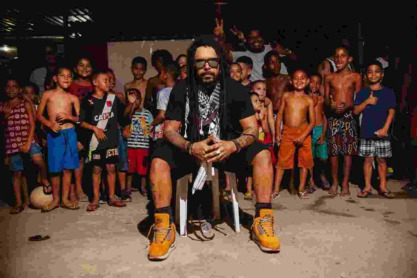 Falcão escolheu o subúrbio do Engenho Novo para fazer fotos do seu novo trabalho - Rodolfo Magalhães