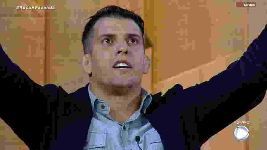 Felipe Sertanejo faz brincadeira depois de comentário de Nadja Pessoa - Reprodução/RecordTV