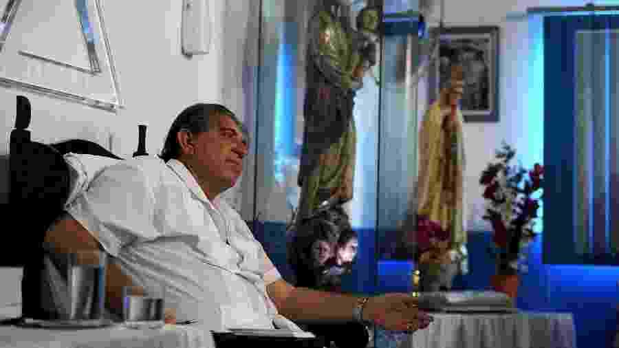 O médium João de Deus ainda não se entregou à polícia - AFP