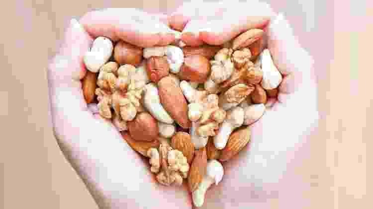 Oleaginosas coração hipertensão - iStock - iStock