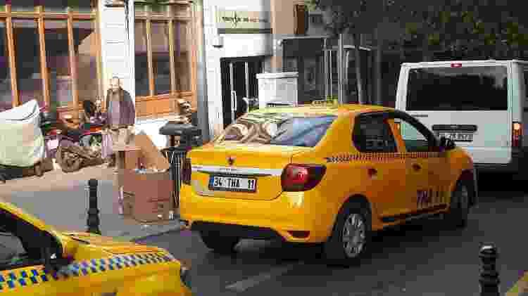 Lembra do Symbol? O nome é o mesmo, mas o carro é o Logan - Vitor Matsubara/UOL