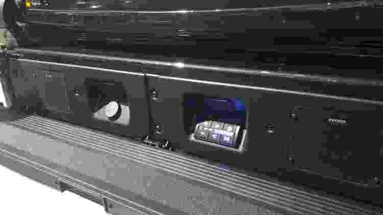 """Sistema de som é perfeito para o """"esquenta"""" antes dos jogos de futebol americano - Vitor Matsubara/UOL"""