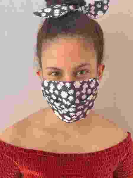 Produzidas com pano, essas máscaras não substituem as hospitalares para os casos confirmados - Reprodução/Twitter