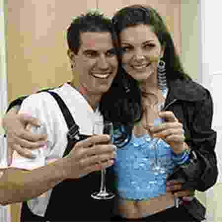 Serginho e Luiza Ambiel na 'Casa dos Artistas 3' - Reprodução - Reprodução