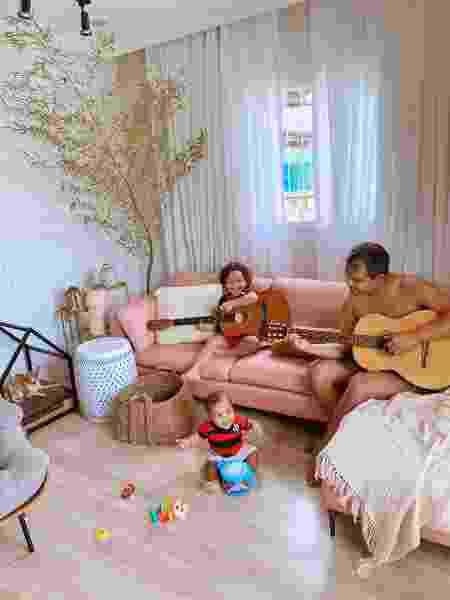 Parte da família na sala de estar - Arquivo Pessoal - Arquivo Pessoal