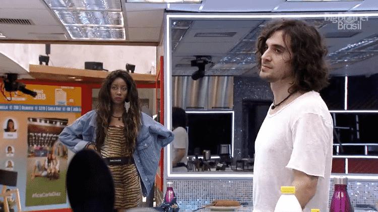 BBB 21: Fiuk e Juliette brigam por calda de bolo - Reprodução/Globoplay - Reprodução/Globoplay