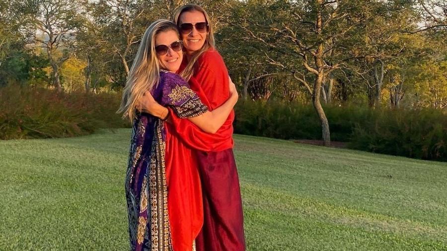 Ingrid Guimarães comemora aniversário de Mônica Martelli e relembra amizade das duas com Paulo Gustavo - Reprodução/Instagram