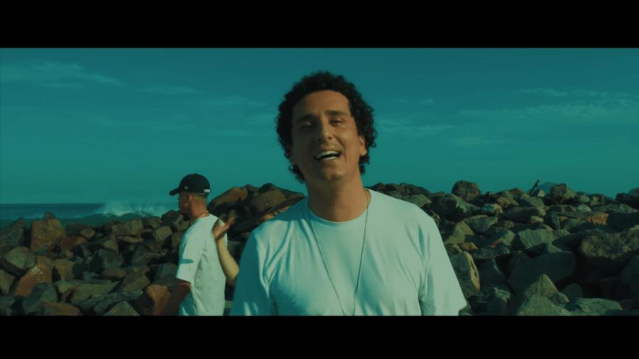"""Rafael Portugal fez parceria com L7NNON, PK e Papatinho na música """"Muro de Berlim"""" - Reprodução/Youtube"""