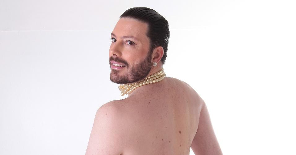 Danilo Genti lembra famosa pose de Kim Kardashian