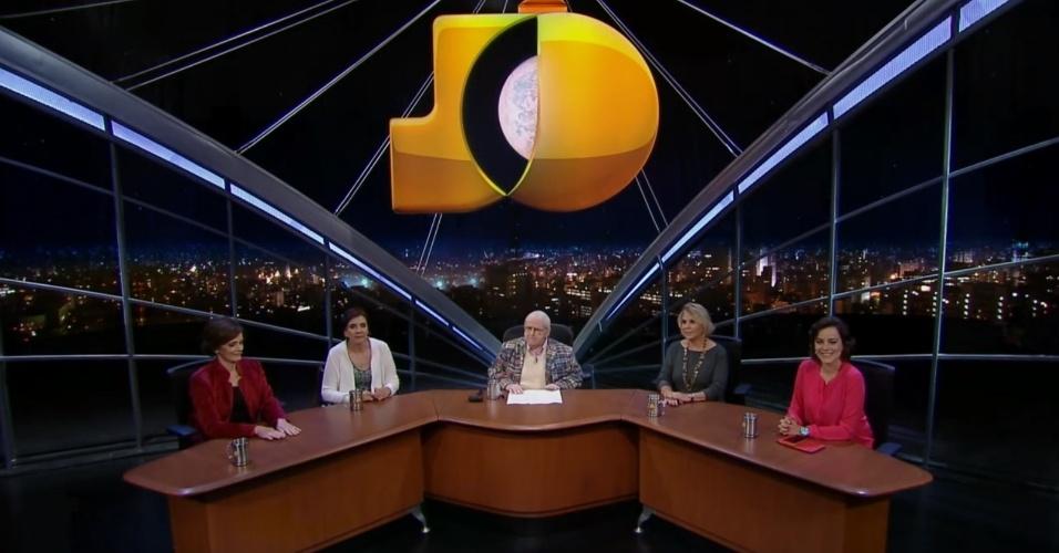 """9.jul.2015 - As jornalistas do quadro """"As Meninas do Jô"""" discordam da opinião do apresentador sobre a carga tributária no Brasil"""