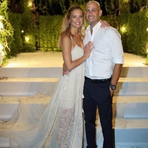Bar e Adi Ezra se casaram em setembro - Reprodução/Instagram/barrefaeli