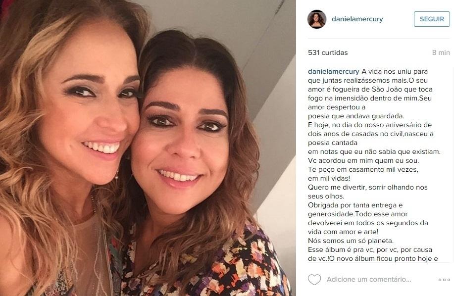 12.out.2015 - A cantora Daniela Mercury fez uma declaração à mulher, a jornalista Malu Verçosa, para comemorar o aniversário de dois anos de casamento. Em seu perfil no Instagram, Daniela dedicou seu novo álbum, finalizado nesta segunda (12), para a companheira.