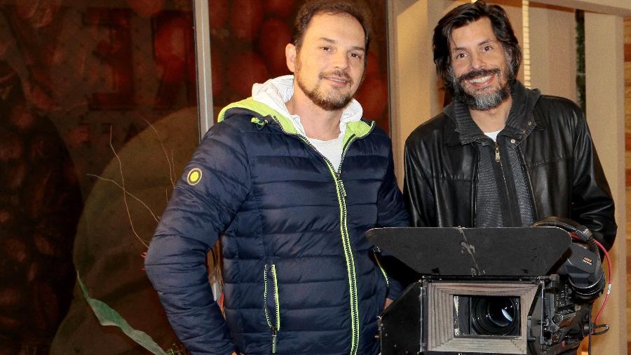 Daniel Alvim e o diretor-geral da novela, Ricardo Mantoanelli - Lourival Ribeiro/SBT