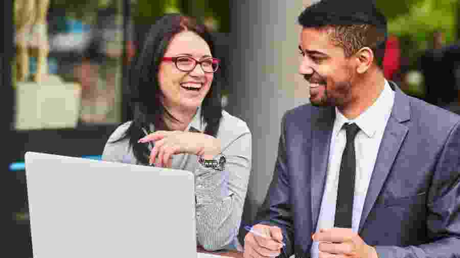 Medo de acusação de assédio tem brecado a formação de casais em local de trabalho - Getty Images
