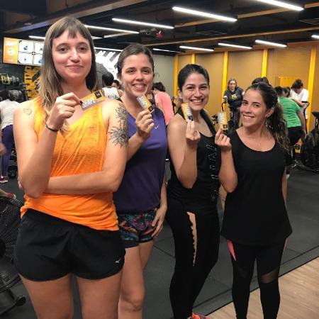 Gabriela Ingrid, Vivian Ortiz, Thamires Andrade e Maria Júlia Marques (da esq. para dir.) testam treino de alta intensidade - UOL