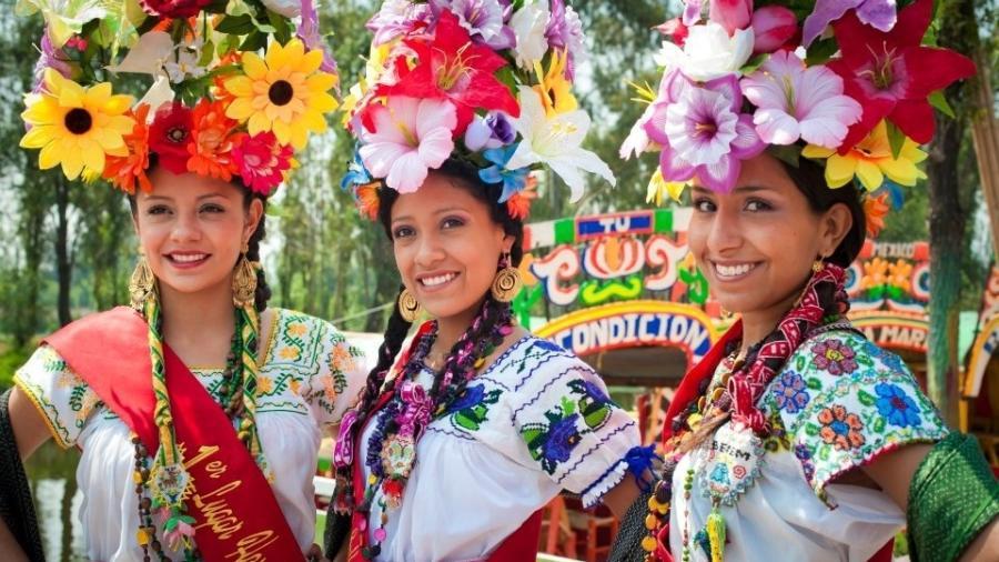 """Participantes do concurso """"La Flor más Linda del Ejido"""", no México - Reprodução/Facebook"""