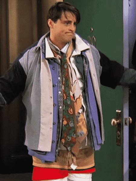 """LeBlanc como Joey em cena de """"Friends"""" - Reprodução/Youtube"""