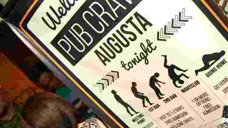 """Símbolo do """"pub crawl"""": público fica mais bêbado a cada parada do passeio - William Paiva/Pub Crawl São Paulo"""
